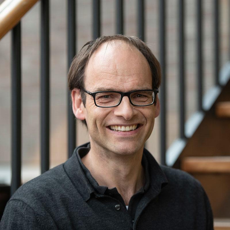 Maarten Oostdam Spits Sales